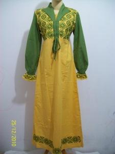 Dan satu lagi koleksi kombinasi warna cerah adalah dari kombinasi kuning dan hijau.